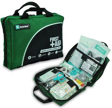 Best Car First Aid Kit To Buy For UK Travel Emergencies